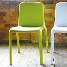 Robust chair green