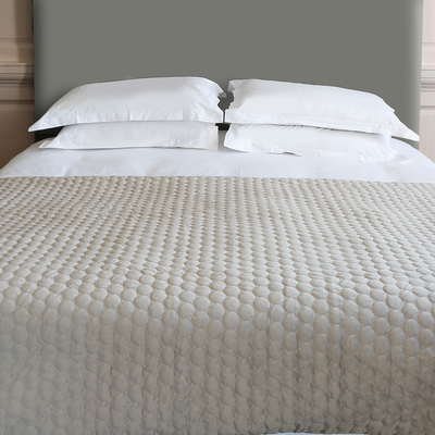 Quilted circles bedspread taupe