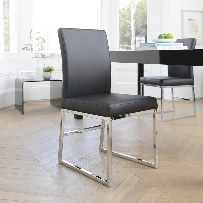 Loop leg dining chair black