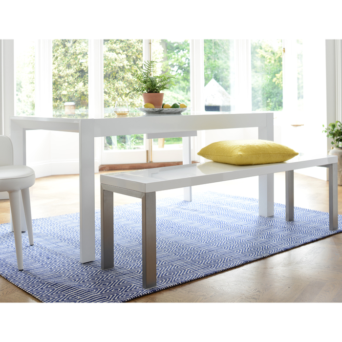 Extending gloss 6-8 seater dining table white