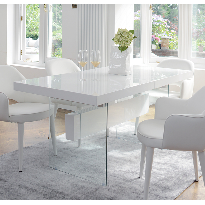 Treble extending 6-8 seater dining table white
